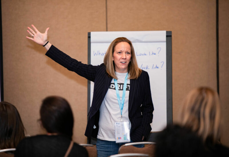 Kate Adams of Drift described why different websites don't convert and how to fix it.